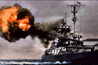 Восемь 15-дюймовых орудий «Тирпица» заставляли англичан сопровождать конвои в Архангельск многочисленными кораблями во главе с парой линкоров