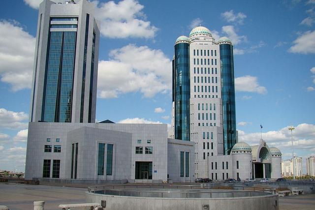 Президент Казахстана выступит в парламенте с обращением