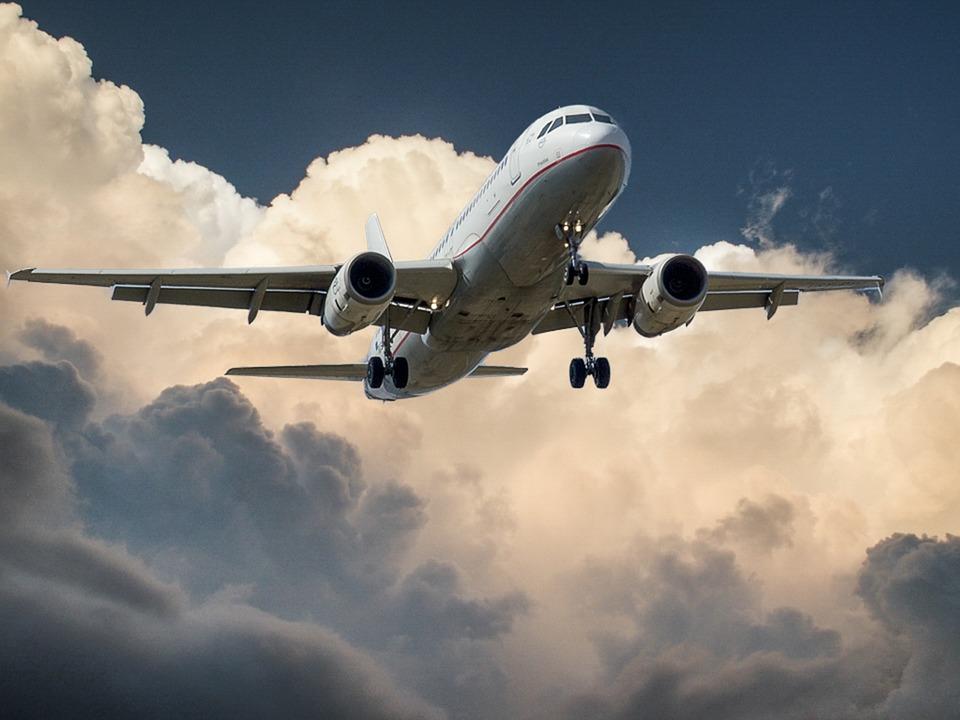 Продажи авиабилетов в Сочи выросли почти вдвое