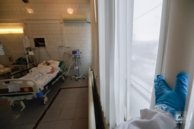 Палата реанимационного отделения больницы