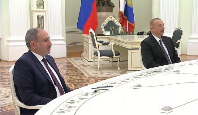 Ադրբեջանի նախագահ Իլհամ Ալիևը և Հայաստանի վարչապետ Նիկոլ Փաշինյանը Մոսկվայում կայացած եռակողմ հանդիպմանը