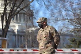 Солдат национальной гвардии США в Вашингтоне