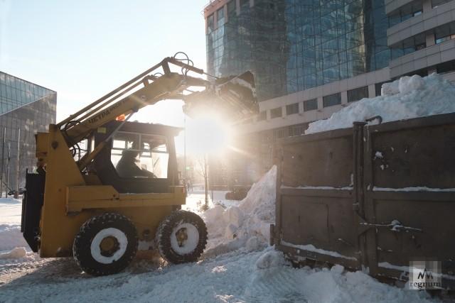 Уборка снега в районе Москва-Сити