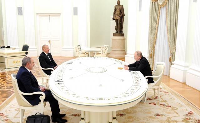Встреча Владимира Путина с Ильхамом Алиевым и Николом Пашиняном