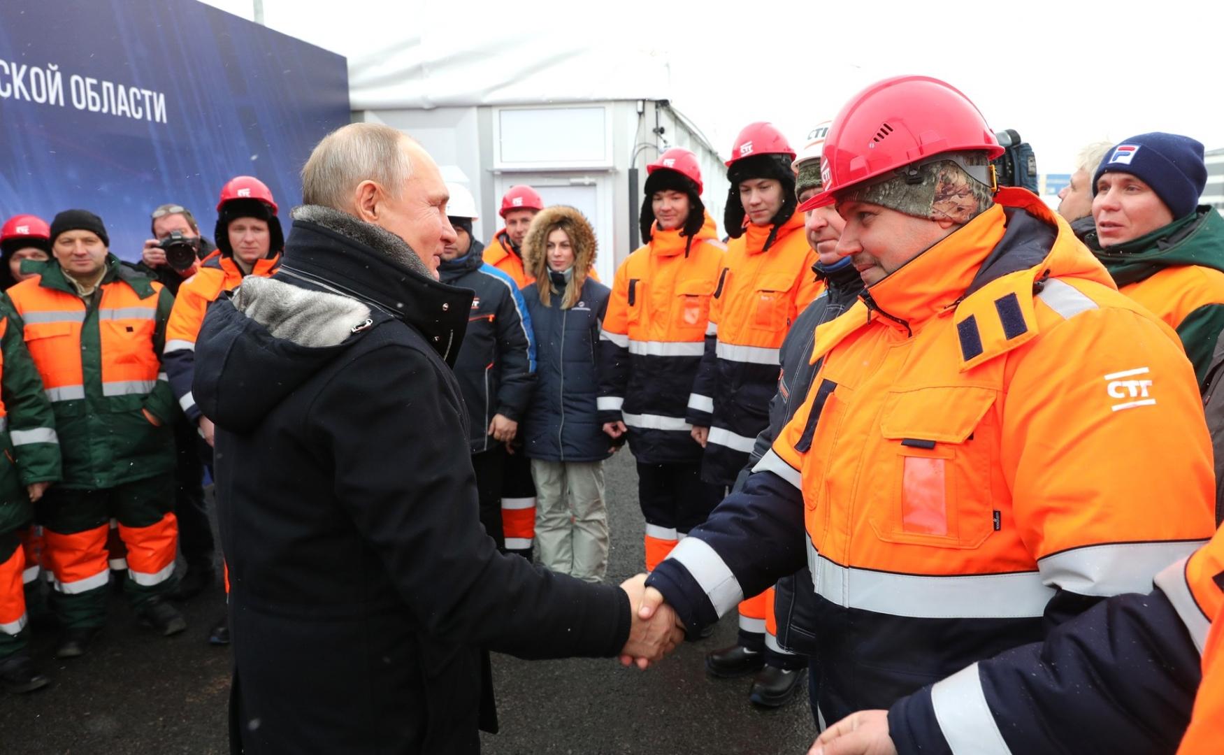 Путин поблагодарил строителей дорожной развязки в Химках
