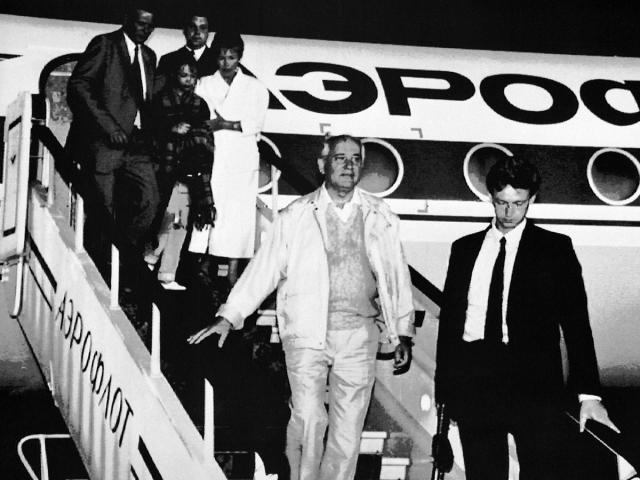 Возвращение Горбачева их Фороса. Август 1991 года