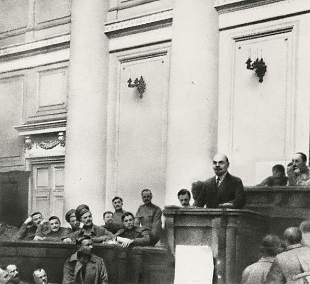 Выступление Владимира Ленина в Таврическом дворце. Июнь 1917 года
