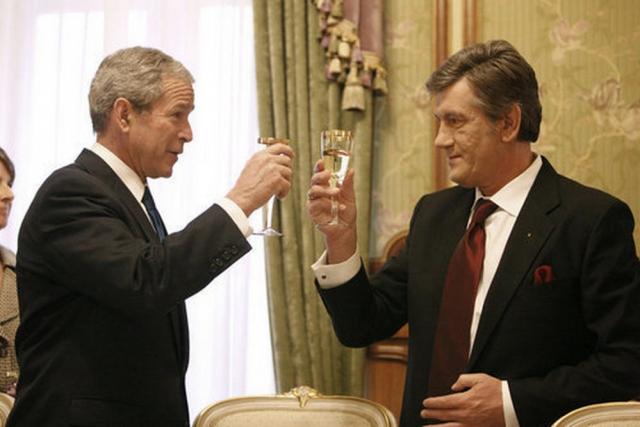 Джордж Буш — младший и Виктор Ющенко