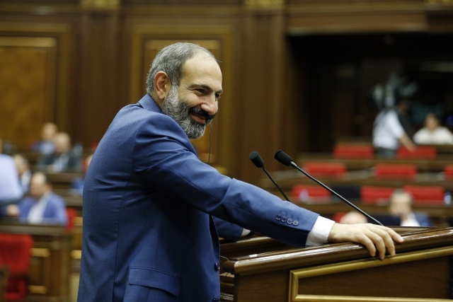 Никол Пашинян в парламенте Армении
