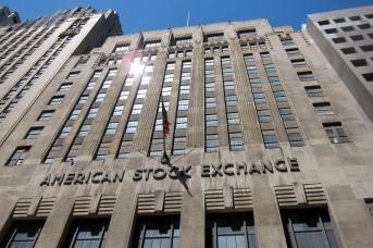 Здание Американской фондовой биржи в Нью-Йорке