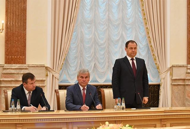 Роман Головченко (справа)