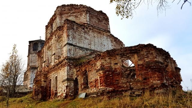 Руины монастырского храма Грузинской иконы Божией Матери (1723)