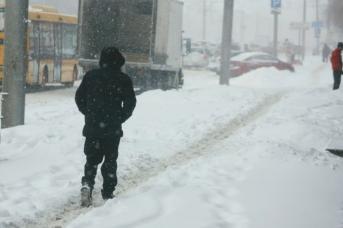 Заснеженный Барнаул в первый день весны. Фото amic.ru и Екатерина Смолихина