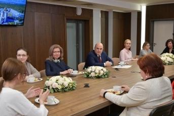 Встреча Михаила Мишустина с женщинами-учёными