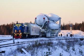 Вывоз ракеты-носителя «Ангара» на стартовый комплекс