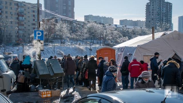 Полевая кухня на улице Окатовой во Владивостоке