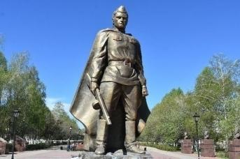Памятник Воин-освободитель. г. Заинск