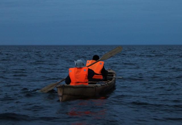 А. Шутихин даст берестяную лодку тому, кто готов пойти трассой от Котласа к Комсомольску-на-Амуре