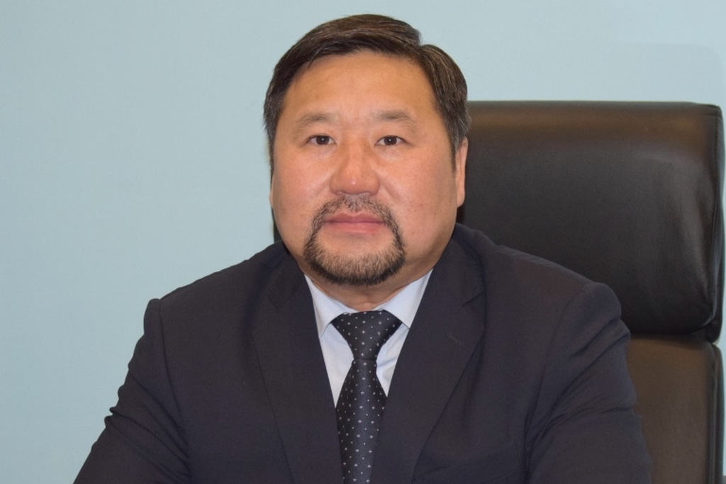 Владислав Товарищтайович Ховалыг