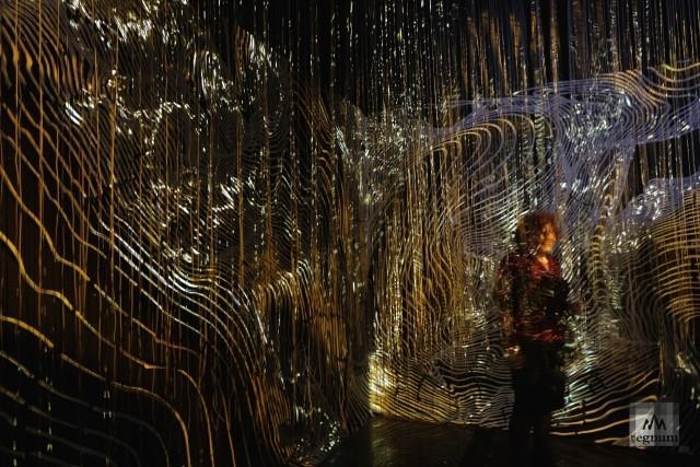 На выставке «Пересекая пространство». Раздел «Бесконечность»