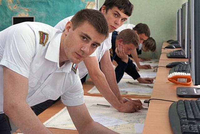 Студенты Архангельского морского рыбопромышленного техникума