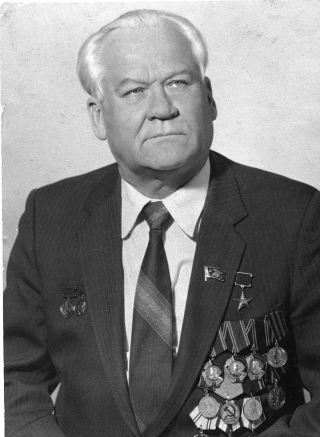 Григорий Лазаревич Просянкин, генеральный директор «Севмашпредприятия» с 1972 года, еще один участник совещания по использованию АПЛ в освоении Арктики