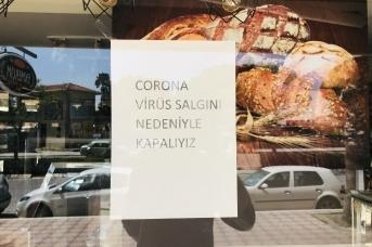 Закрытая из-за коронавируса пекарня в Измире (Турция). Maurice Flesier