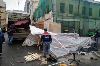Расчистка в Апраксином дворе. Фото: пресс-служба комитета по контролю за имуществом Санкт-Петербурга