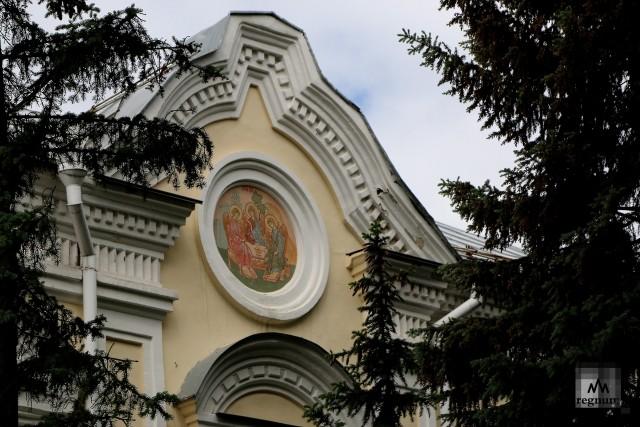 На территории Богородице-Рождественского мужского монастыря