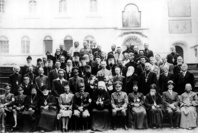 Православное духовенство вместе с немецкими оккупантами. 1941