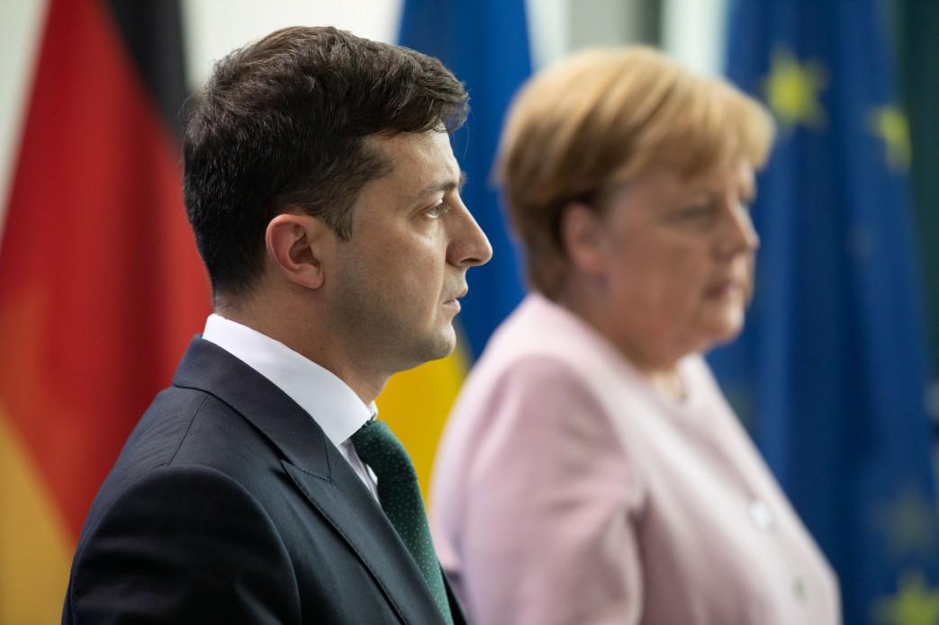 Может, она ему мозги вставит!» — Меркель пригласила Зеленского в Берлин -  Оксана Переможенко - ИА REGNUM