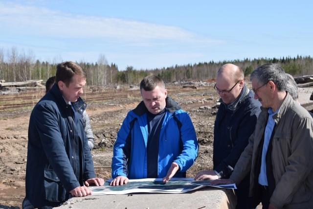 Встреча главы Пинежского района А.Чечулина с руководителем УЛК В.Буториным по строительству терминала для погрузки лесоматериалов