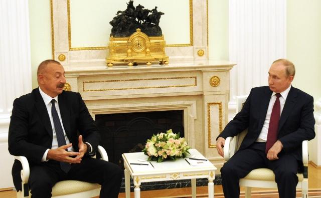 Владимир Путин провёл в Кремле встречу с Президентом Азербайджанской Республики Ильхамом Алиевым