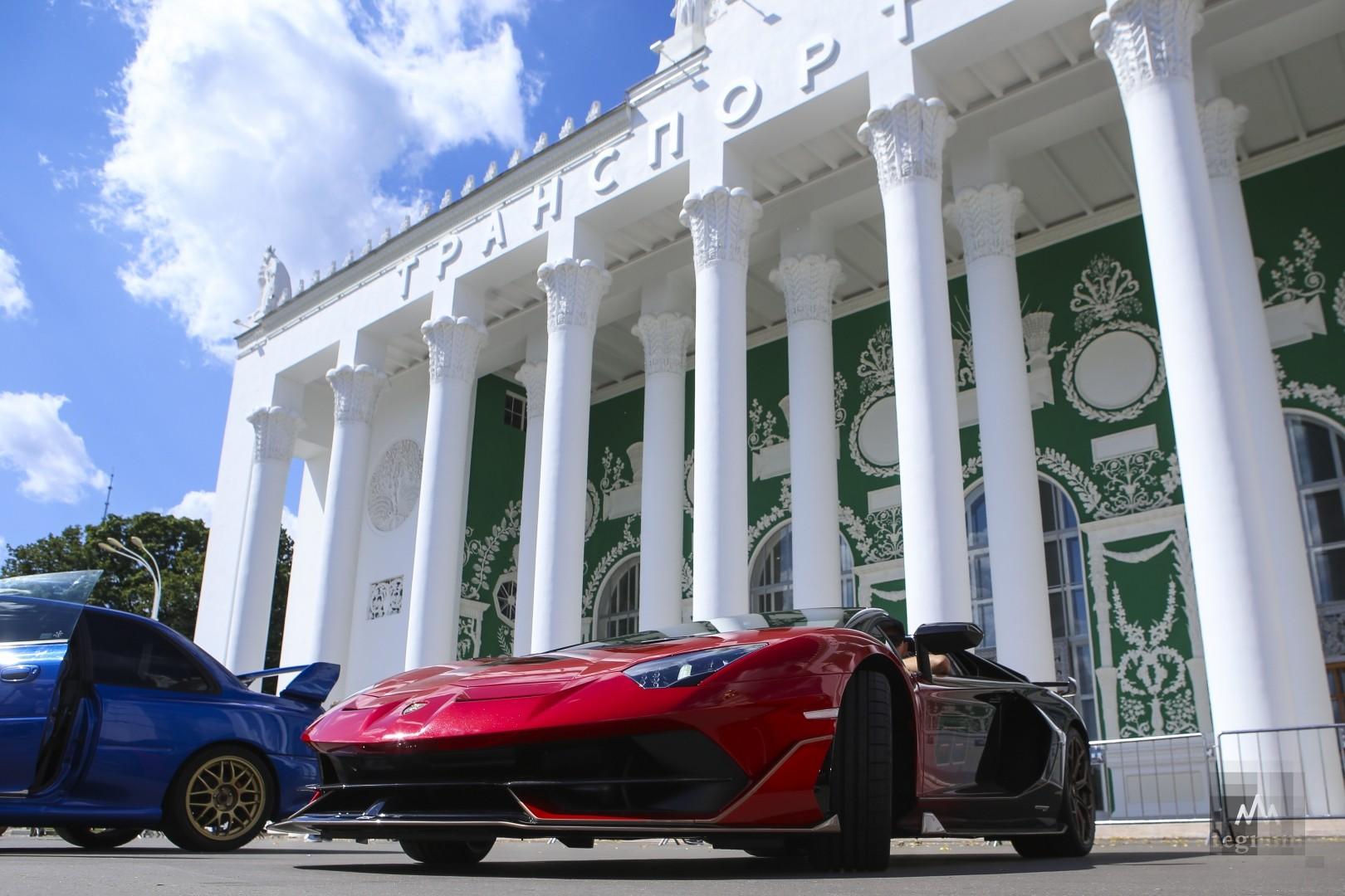 Выставка ретроавтомобилей. ВДНХ. Москва
