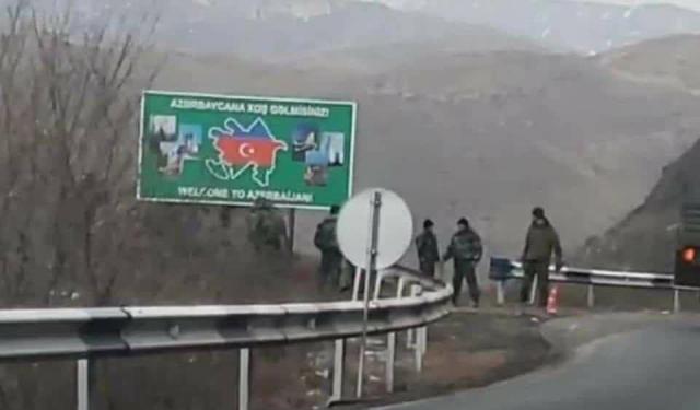 Дорог Горис-Капан. Табличка «добро пожаловать в Азербайджан»