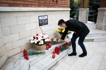 Стихийный мемориал в Оренбурге