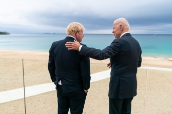 Премьер-министр Великобритании Борис Джонсон и президент США Джа Байден (сс) The White House