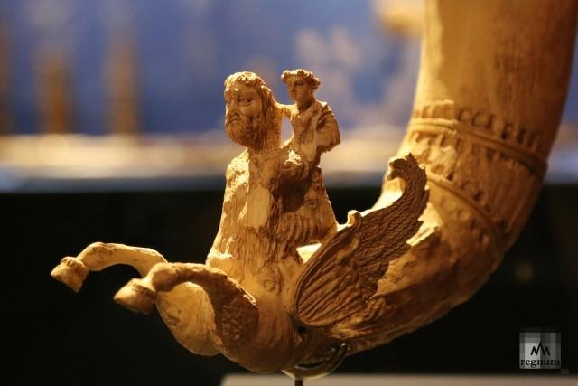 Выставка «Оттенки белого. Косторезное искусство Востока»